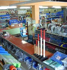 Pátyi műszaki áruház a vastelepen